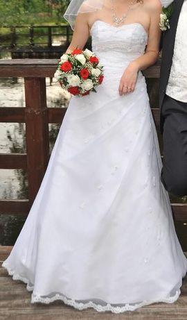 suknia ślubna rozmiar 38 -40 w kształcie A