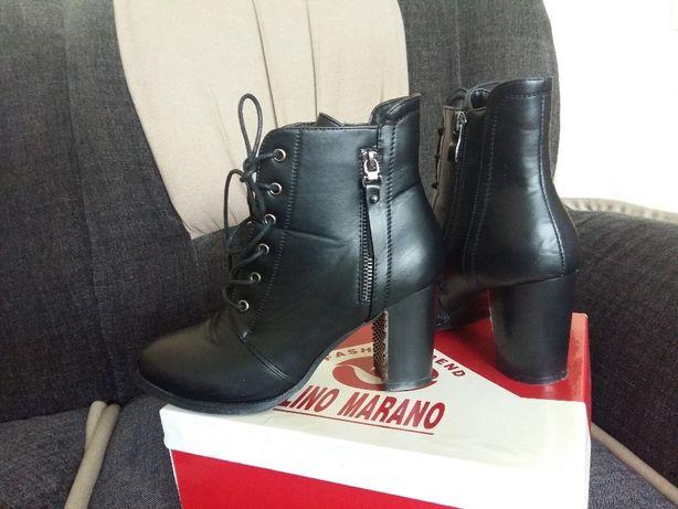 Продам осенние женские ботинки