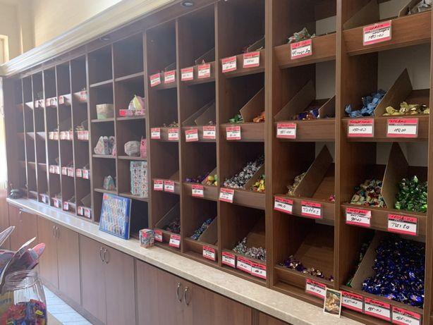 Торгове обладнання . Меблі в магазин солодощі