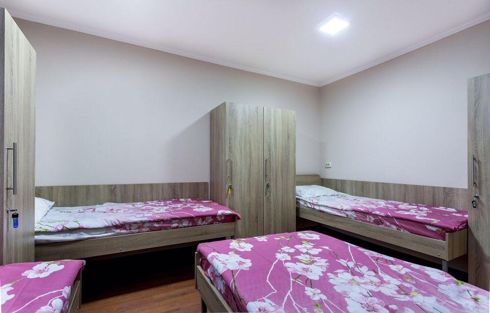 ОДНОЯРУСНЫЕ кровати,Мини Отель Киев м. Бориспольская-1