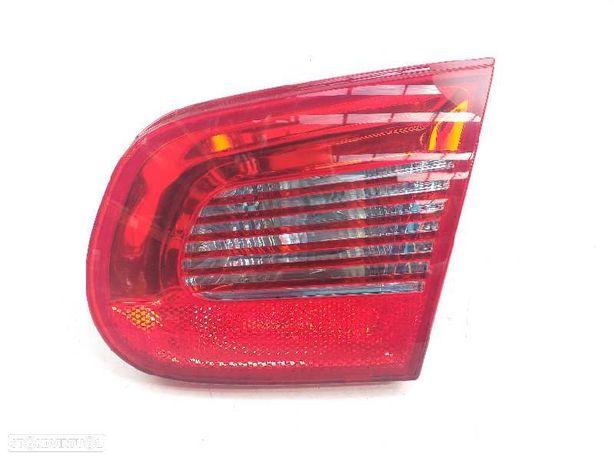 1Q0945094 Farolim direito VW EOS (1F7, 1F8) 2.0 TDI BMM