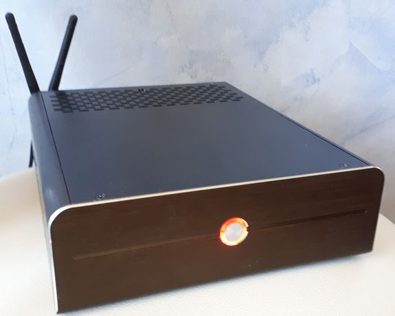 Неттоп мини-компьютер с WiFi (QuadCore CPU, 8Gb RAM, 500Gb HDD)