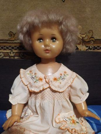 Большая кукла времен СССР (70 см. высотой)