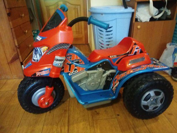Машина мотоцикл электрический  с педалью