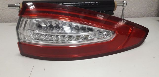 Задний правый фонарь LED Лед на Ford Fusion titanium оригинал США