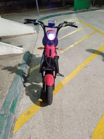 Vendo scooter elétrica cool V8+ rider praticamente nova