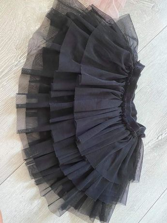 Czarna tiulowa spódniczka z falbankami Zara