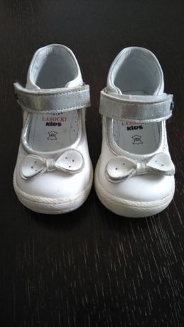 Buty, buciki dla dziewczynki, skórzane, trzewik. Lasocki.