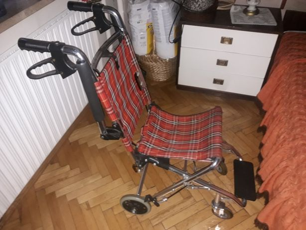 Mini wózek inwalidzki