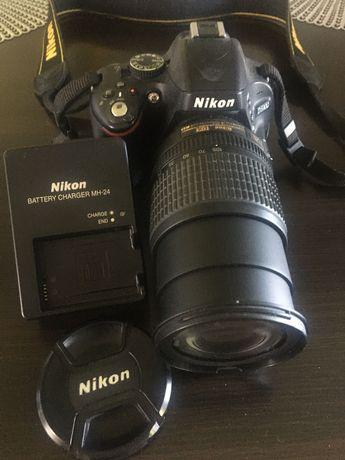 Sprzedam aparat fotograficzny z teleobiektywem marki Nikon D5100