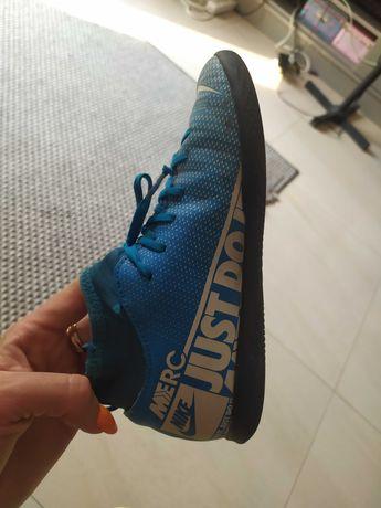 Dziecięce Buty sportowe Nike ze skarpeta 20.5cm