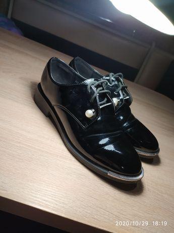 Продам туфли (лоферы)