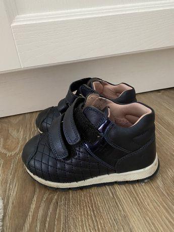 Осенние ботинки кроссовки кожа