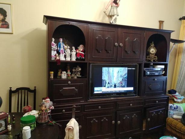 Móvel para sala para TV e arrumação