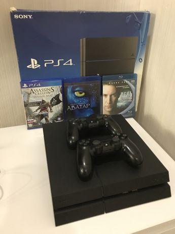PS 4 fat 500гб, 2 dualshok, 2 диска блюрей, 1 с игрой