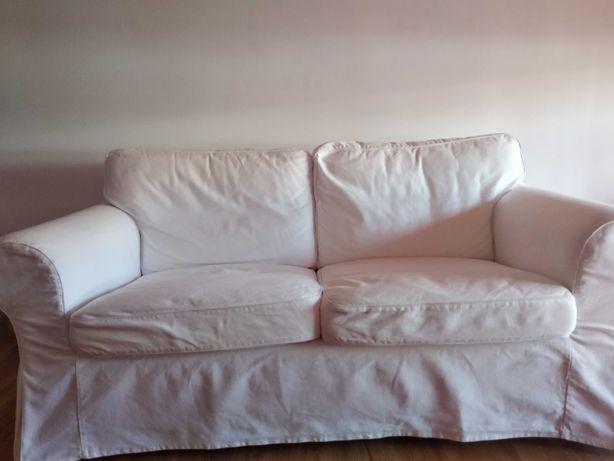 Sofá de dois lugares com duas almofadas Ikea Ektorp/ Muito bom estado