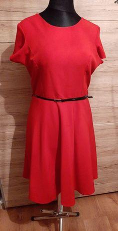 Piękna czerwona sukienka 48