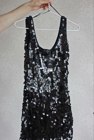 Фирменное платье в пайетки