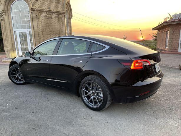 Tesla model 3 7000km
