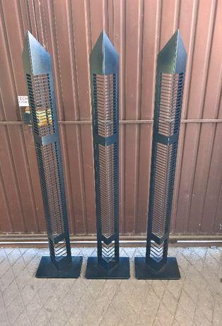 Colunas em ferro para cds de áudio