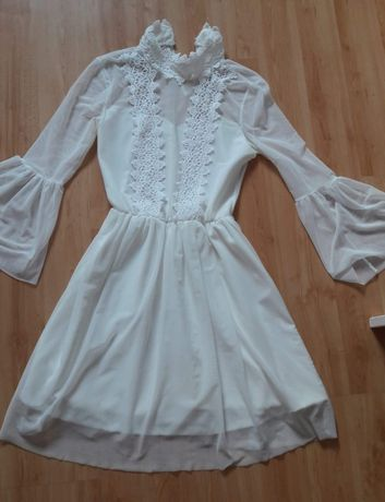 Piekna sukienka koronka