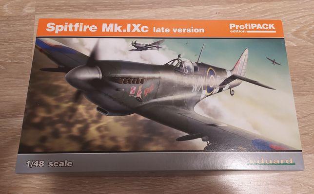 Модель самолета Spitfire Mk.9c в масштабе 1/48, Eduard
