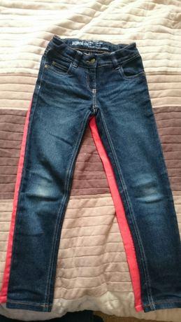 Spodnie dziewczęce rozm. 128, cena za 2 szt.