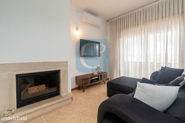 Apartamento T2 à Av. Afonso Henriques próximo à rotunda da Areosa