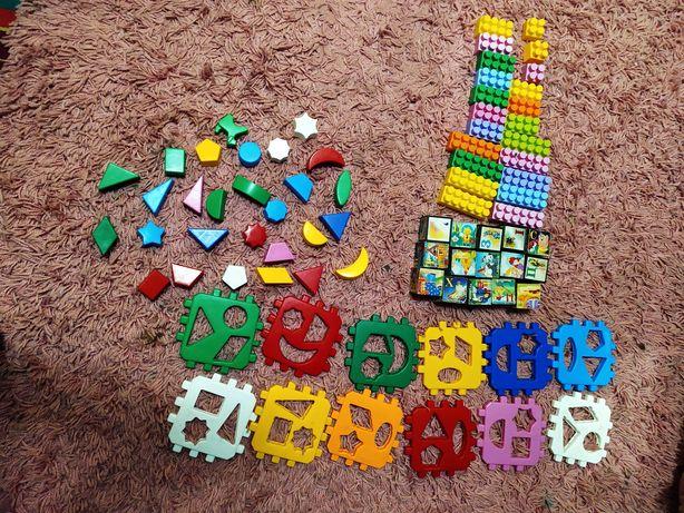 Продам конструктор и кубики