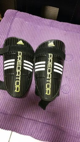 Ochraniacze piłkarskie Adidas Predator
