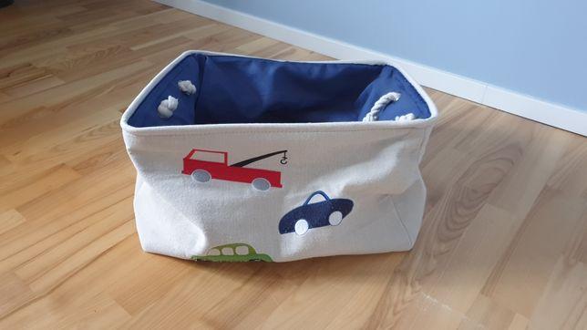 Materiałowy pojemnik na zabawki dla dziecka