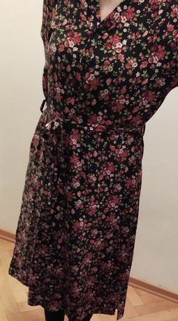 Zjawiskowa sukienka w kwiatki Reserved midi