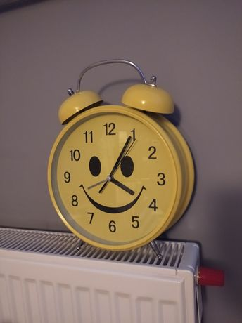Zegar żółty stojący