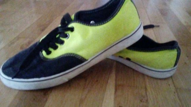 Buty tenisówki Victory, rozmiar 39