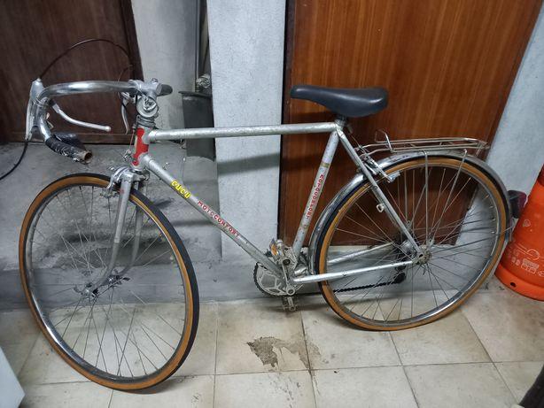 Vendo Bicicleta antiga Motoconfort de estrada a andar bem