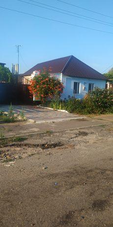Два дома в одном дворе (Октябрьское)