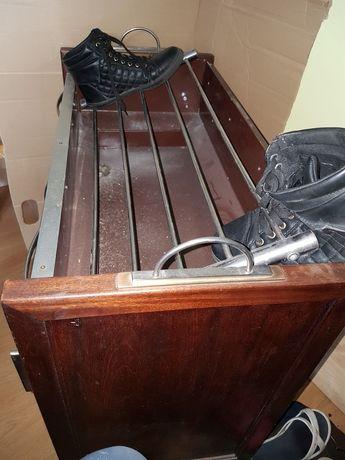 Stojak do butów morzna stawiać buty mokre i brudne jest wyłożony blach