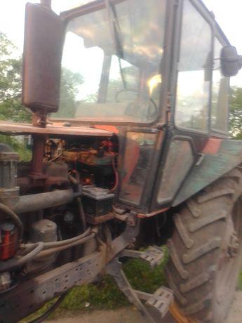 Продам трактор з плугом