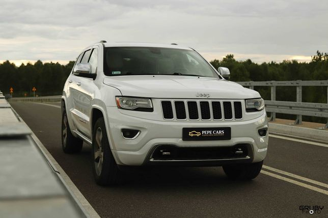 Jeep Grand Cherokee wynajem do ślubu / wynajem na sesje zdjęciowe