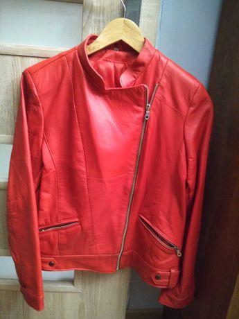Damska kurtka skórzana czerwona rozmiar 40