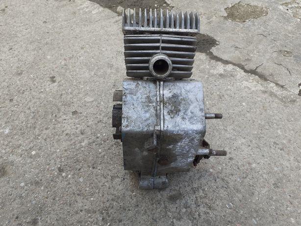 Romet 019 silnik 3 biegowy komar motorynka
