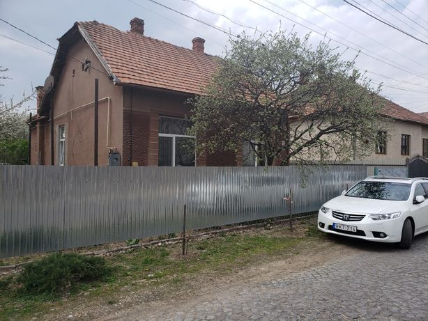Дом с большим участком (15 соток) В элитном тихом районе, центр 15 м