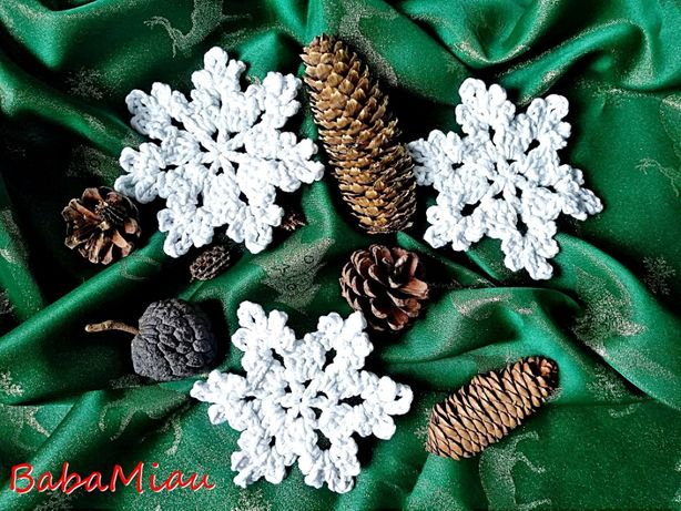 Śnieżynki/gwiazdki - ozdoby choinkowe handmade