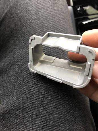 Продам крепление стеклоочистителя левой фары, Infiniti Q50