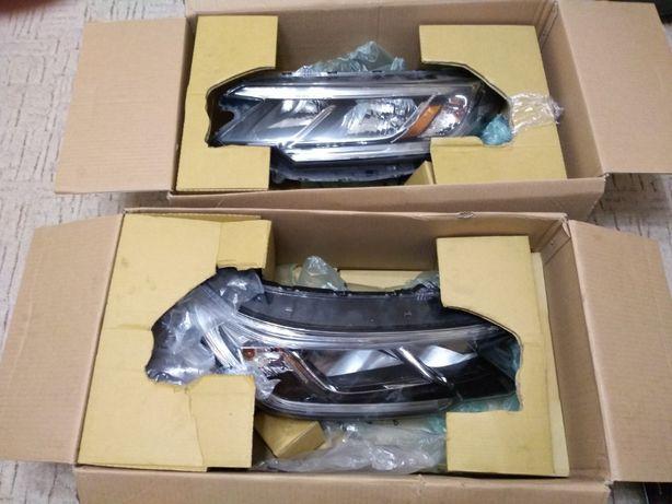 Фара головного света на Honda CR-V 2015 - 2016 USA оригинал