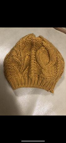 Miodowy beret zara