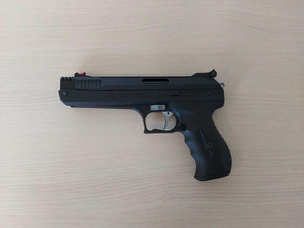 Wiatrówka, Pistolet PCA Weihrauch HW 40 4,5 mm + Walizka