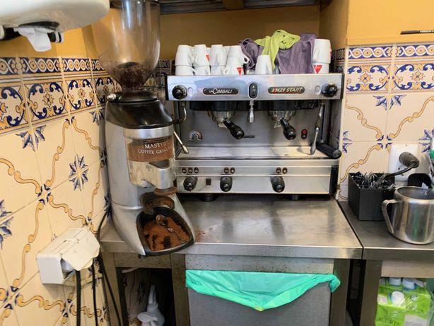 Máquina Café La Cimbali M29 Start e moinho Master Coffee Grinder