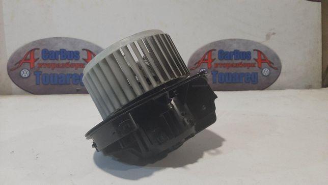 Моторчик печки Volkswagen Touareg 7P NF FL 2010-2018 вентилятор