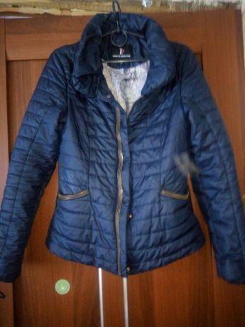 Женская куртка.  .